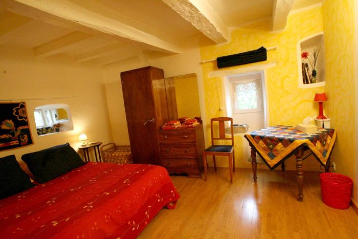 Chambre Jaune Et Orange ~ Idées de Décoration et de ...