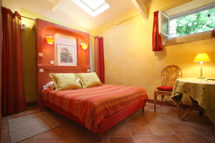 Chambre Orange Et Rouge : chambre rouge